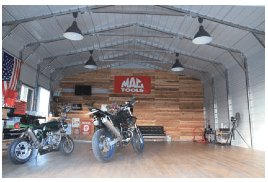 バイクとガレージ